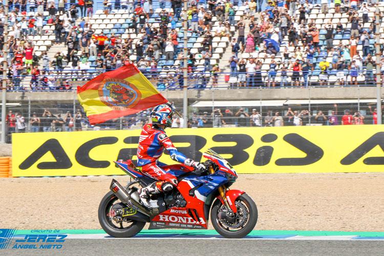 Alvaro Bautista conseguía la tercera posición en la carrera 2